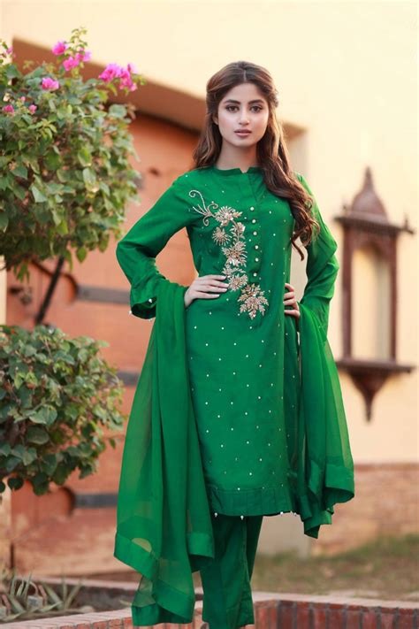 Simple Dress Designs In Pakistan