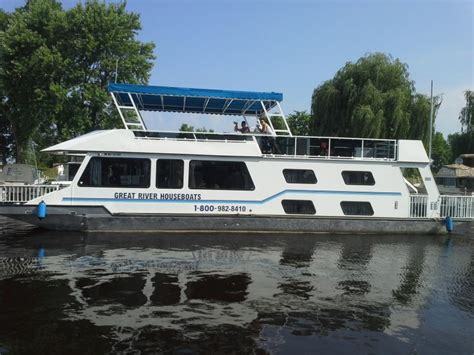 river house boats explore alma wisconsin boating