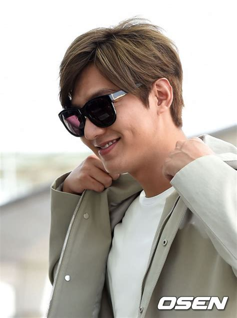 lee min ho hair styles lee min ho debuts blonde hairstyle at airport headed to