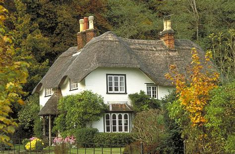 Cottages In New Hshire by Thatched Country Cottages In And Wales