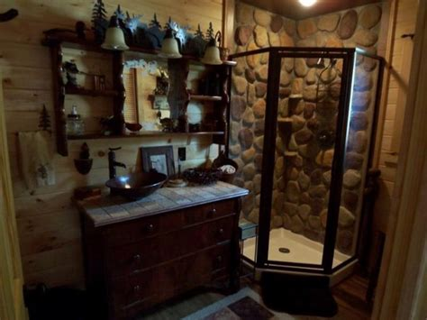 cabin bathrooms ideas bloombety rustic cabin bathroom decor ideas rustic cabin