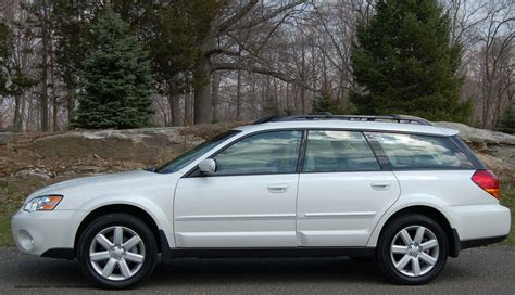 2006 Subaru Outback Photos Informations Articles