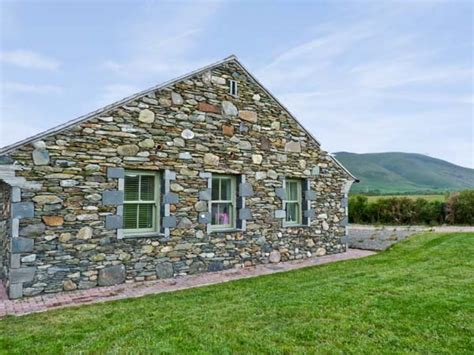 lake district cottage standing stones cottage kirksanton tarbert the lake