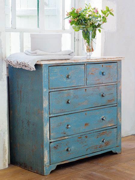 kommode zweifarbig streichen shabby chic wohnen shabby blue chests and