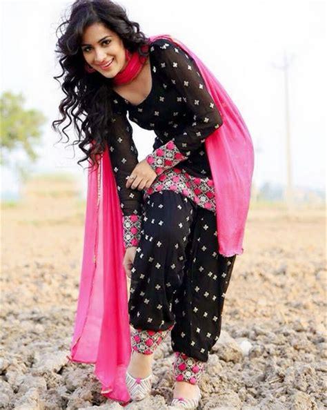 punjabi suits punjabi model and actress sara gurpal in a beautiful