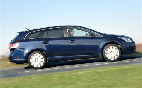 How Much Is Toyota Avensis Toyota Avensis Tourer Review 2009 2015 Parkers