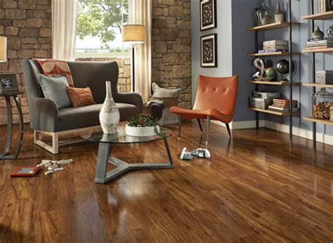 Pergo at Lowe?s: Hardwood and Laminate Flooring and Moulding