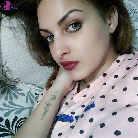himanshi khurana images and punjabi model hd wallpapers