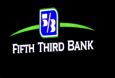 5th 3rd bank fifth third s branch closing wave washes chicago