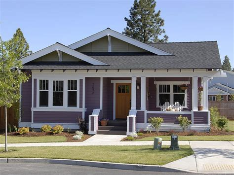 3 Bedroom Craftsman Style House Plans with Pretty Garden