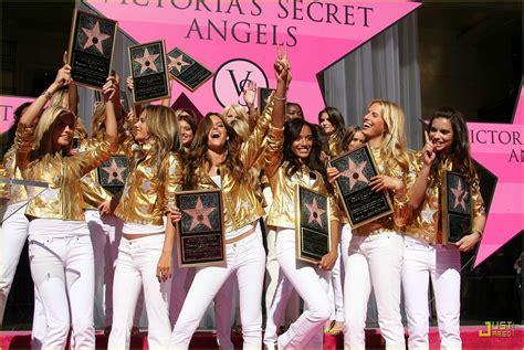 Victorias Secret 2007 Fashion Show On by Sized Photo Of Alessandra Ambrosio Victorias Secret