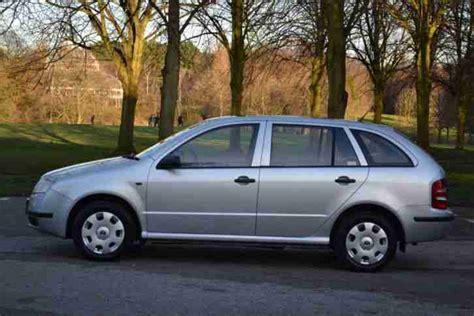 skoda fabia 2002 skoda 2002 fabia 1 4 mpi classic 8v estate silver car for