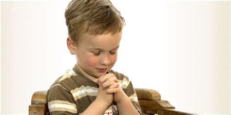 imagenes de niños orando a dios importante ense 241 ar a nuestros hijos a orar ultimas