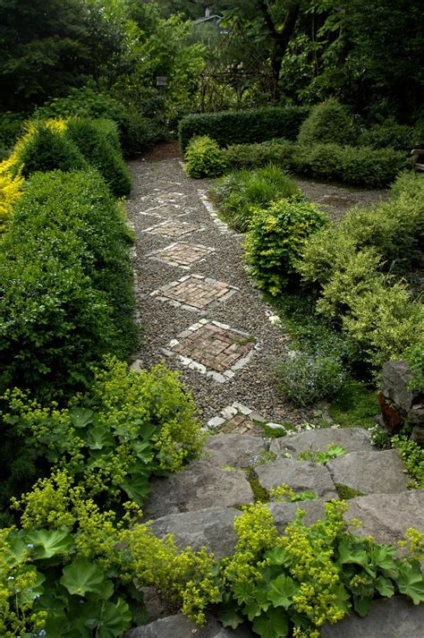 garden paths daily home garden tip create garden paths that have a