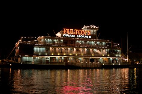 fulton crab house file downtown disney fulton s crab house by mike miley jpg wikimedia commons