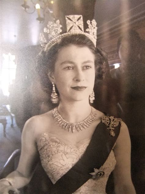 elizabeth ii young queen taken inside nottingham s council house