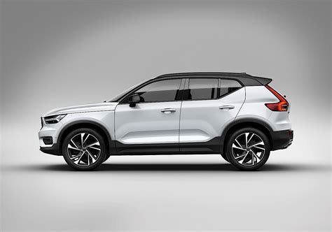 volvo truck of the year volvo xc40 named 2018 european car of the year autoevolution