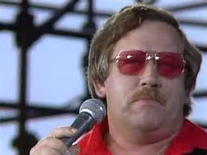 conlee colored glasses live at farm aid 1985