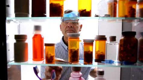 Armadietto Medicinali by Armadietto Medicinali Il Migliore 2018 Per Una Farmacia