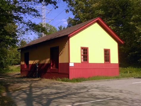 freight house file former central mass freight house at wayland july 2016 jpg wikimedia commons