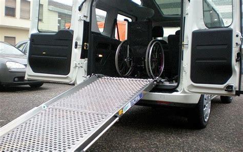 auto con pedana per disabili trasporto disabili allestimento auto con ra a