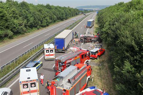 Motorradunfall A7 Heute by A7 Langenau Unfallfahrzeuge Blockieren Autobahn