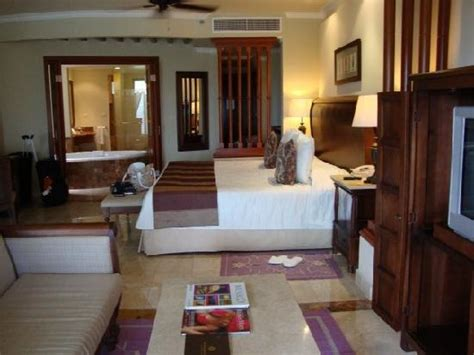 valentin imperial imperial suite on a shopping tour in playa picture of
