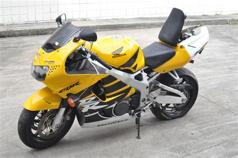 honda cbr list honda cbr 900 rr pics specs and list of seriess by year