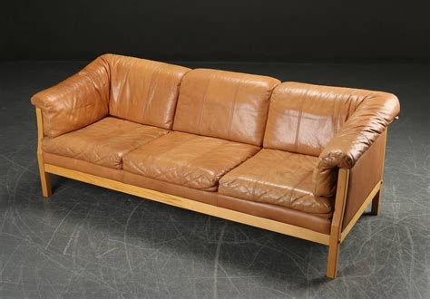 caramel leather sofa danish modern caramel leather sofa at 1stdibs