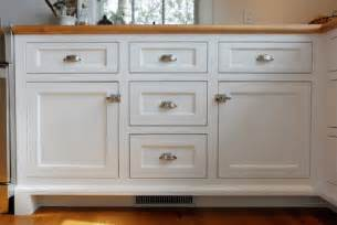 shaker style kitchen cabinet hardware are these shaker style doors and what is the size of the frame thanks