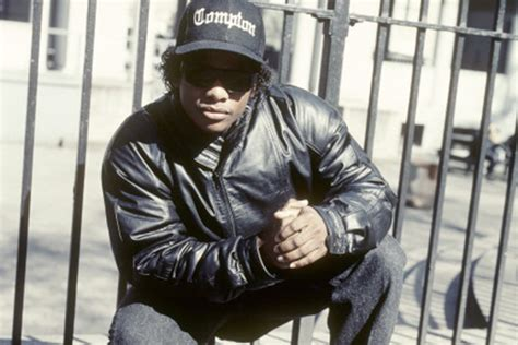 eazy e death bed the eazy e death conspiracy was the n w a rapper injected