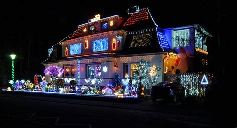 best christmas decorated homes file 13 12 16 christmas house decoration jpg wikimedia