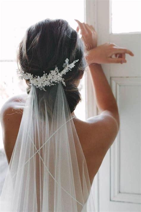 Offene Brautfrisuren Mit Schleier by Die Besten 25 Brautfrisuren Mit Schleier Ideen Auf