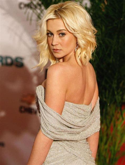western singers blonde highlight hairstyles 198 best kellie pickler images on pinterest kellie