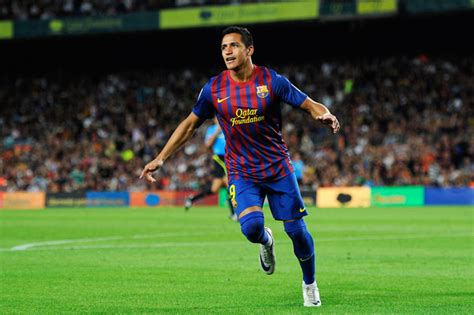 alexis sanchez on barcelona alexis sanchez photos photos fc barcelona v villarreal
