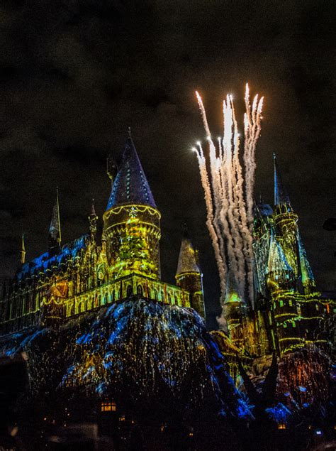 harry potter hollywood light show universal studios hollywood lights up christmas in the
