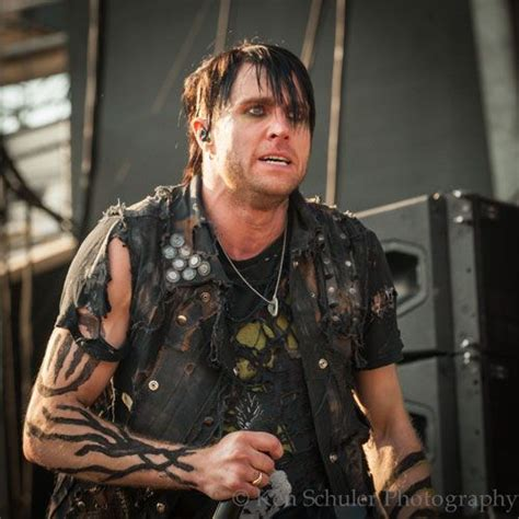 three lead singer awesome matt walst lead singer in the band three days grace potential future