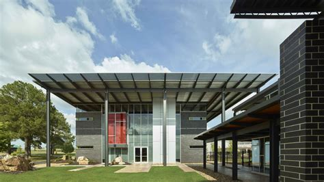 Caterpillar Corporate Office by Riggs Cat Corporate Headquarters Design Award Entries