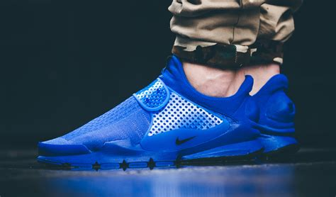 see how nike s sock dart independence day pack looks on