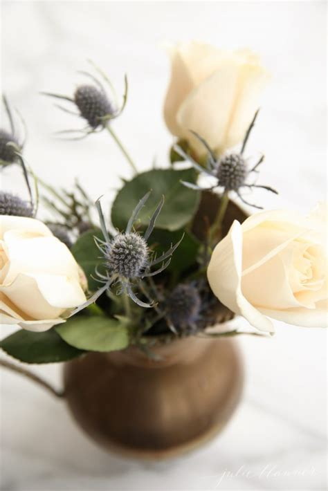how to arrange flowers everyday flowers easy everyday flower arrangement with roses