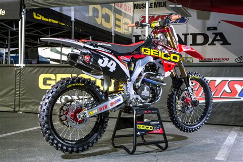 Geico Background Check Malcolm Stewart S Geico Honda Bars Transworld