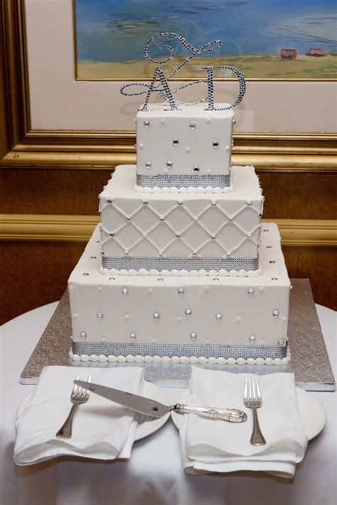 Wedding Square Cake by Pretty Photos Of Square Winter Wedding Cakes