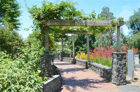 Berwick Botanical Gardens Floral Display At Entrance Picture Of Wilson Botanic Park Berwick Tripadvisor