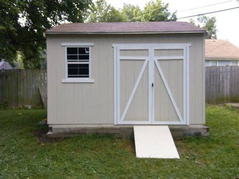 Garage Door Not Closing by Shed Doors This Is 12x16 Barn Shed With Porch And