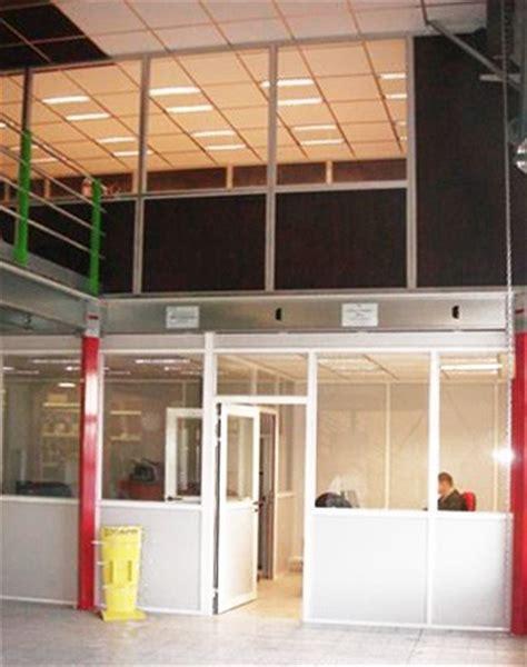 Bureau D Atelier Sur Mezzanine Cabine Sur Plateforme Bureau Atelier