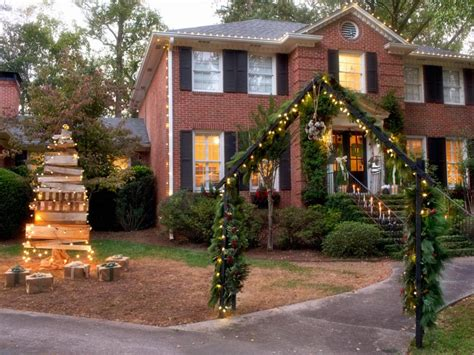 home outside decor 19 outdoor christmas decorating ideas hgtv