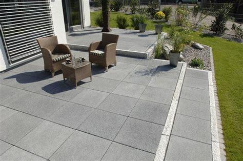 außenfliesen grau terrassen braun steine terrasse etc