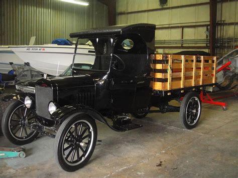 1924 FORD MODEL T TRUCK   102319