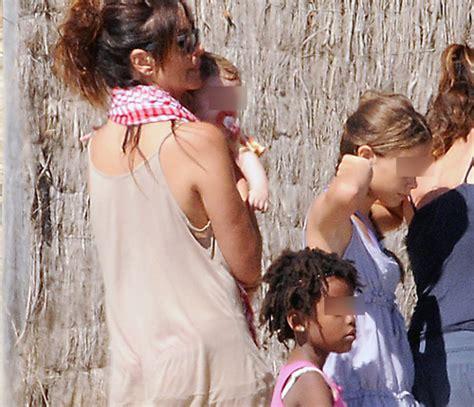 follando junto a su hija mejor conjunto de frases melanie olivares de vacaciones junto a su hija manuela