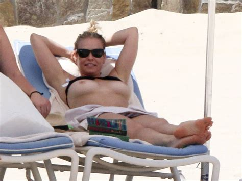 Hot Chelsea Handler Topless On The Beach Uncensored
